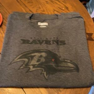 NFL Team Apparel Baltimore Ravens short shirt..